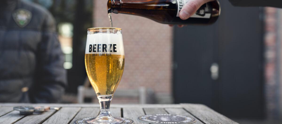 Beerze Def Americans Johnny Pale Ale Robert Mies 2400x1060