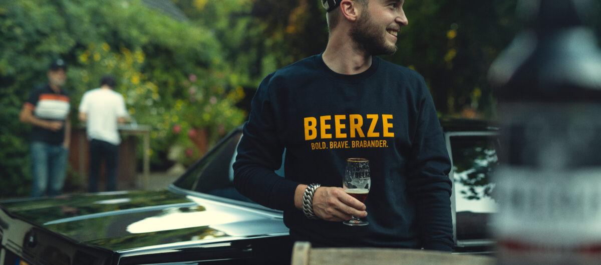 beerze-sweater-navy-brabander-1-2400x1060
