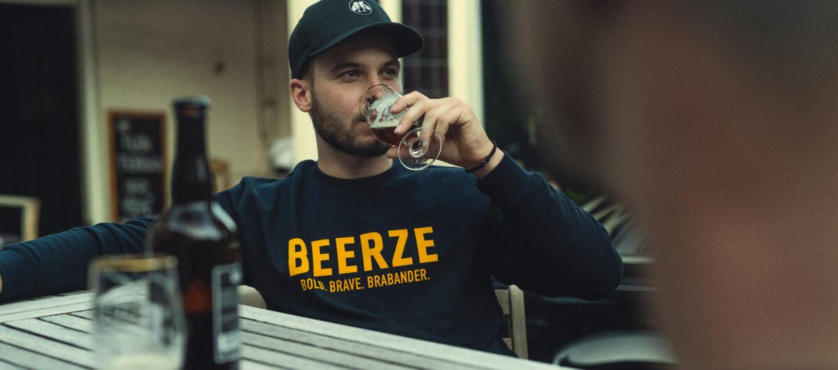 beerze-sweater-navy-brabander-2-2400x1060.jpg