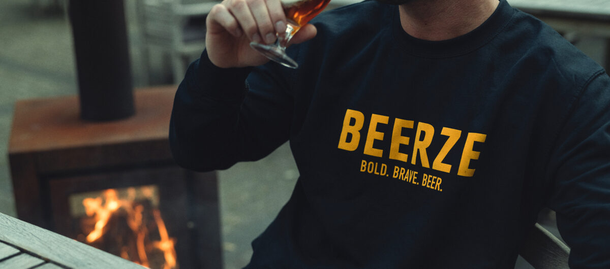 beerze-sweater-navy-beer-1-2400x1060