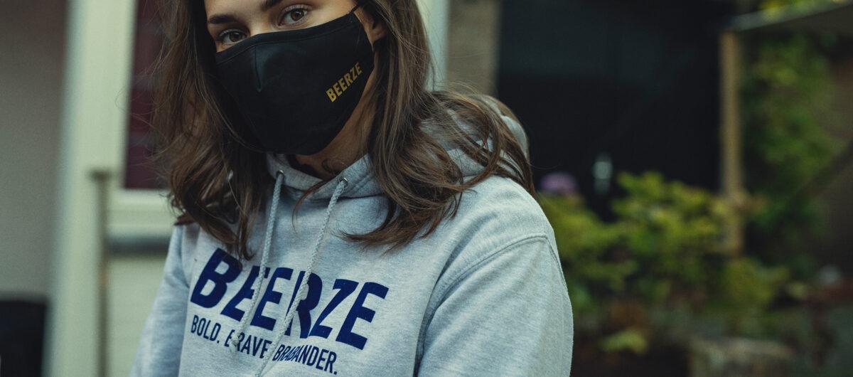Beerze-Hoodie-grey-grijs-brabander-neline-mondkapje-2400x1060