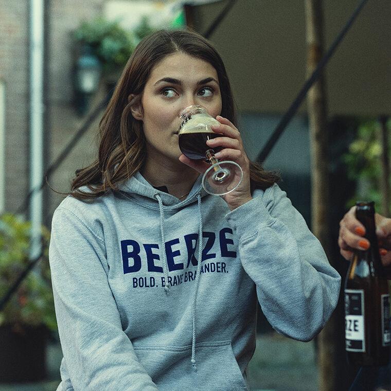 Beerze-Hoodie-grey-grijs-brabander-neline-mondkapje-760x760
